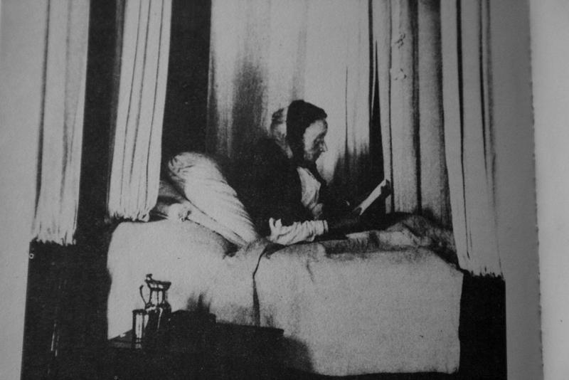 Una lettrice in un ospizio, 1929