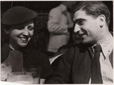 Gerda Taro e Robert Capa a Parigi nel 1936
