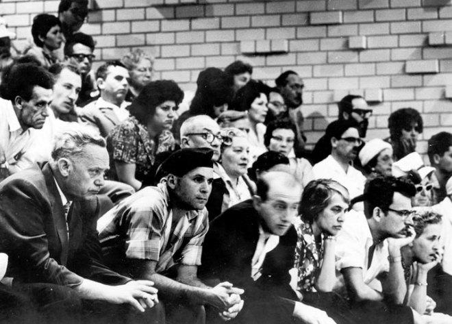 Il pubblico durante un'udienza del processo ad Adolf Eichmann a Gerusalemme, 1961 (Yad Vashem)