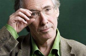 Lo scrittore Ian McEwan