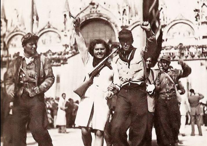 Partigiani in Piazza San Marco a Venezia (Wikimedia Commons)